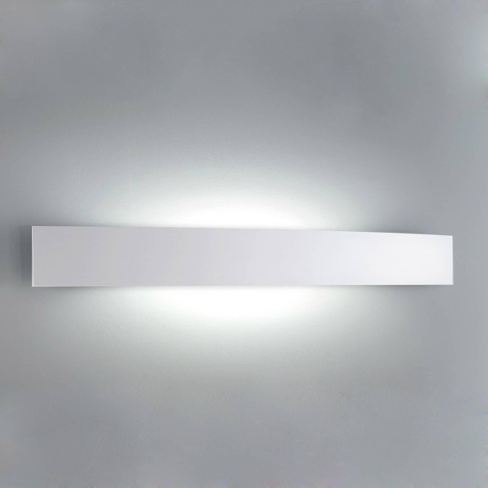 Formskjønn vegglampe Riga, 56 cm, hvit