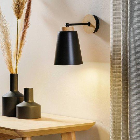 Vegglampe Periot K1 med tredekorasjon, svart