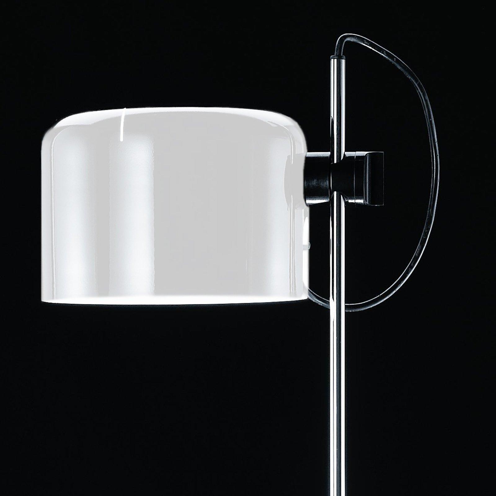 Oluce Coupé - gulvlampe i hvit tidløs design