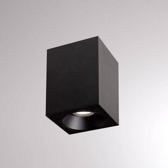 LOUM Atus Square LED-taklampe 1 lys svart