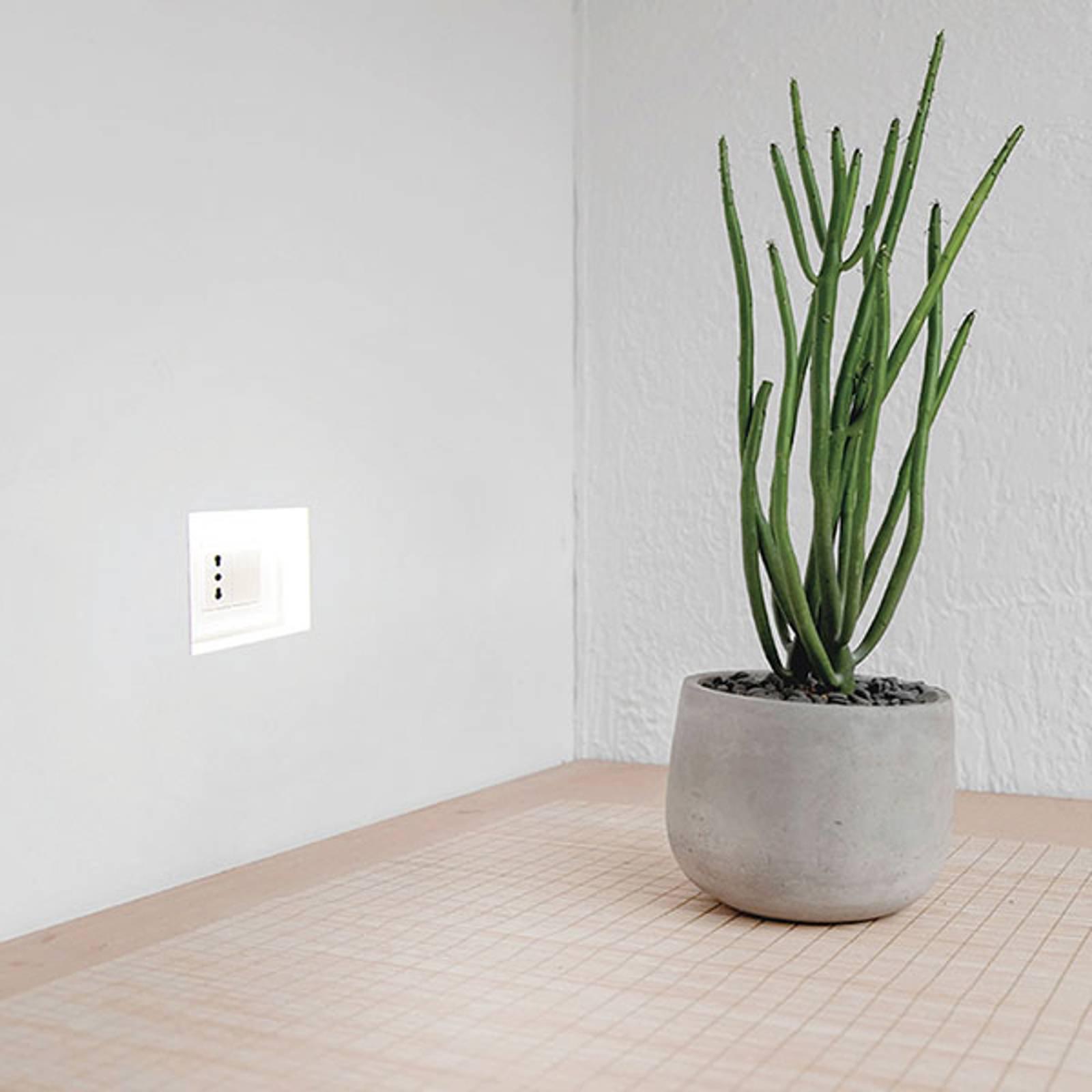 LED innfelt vegglampe 4195A, 2 700 K