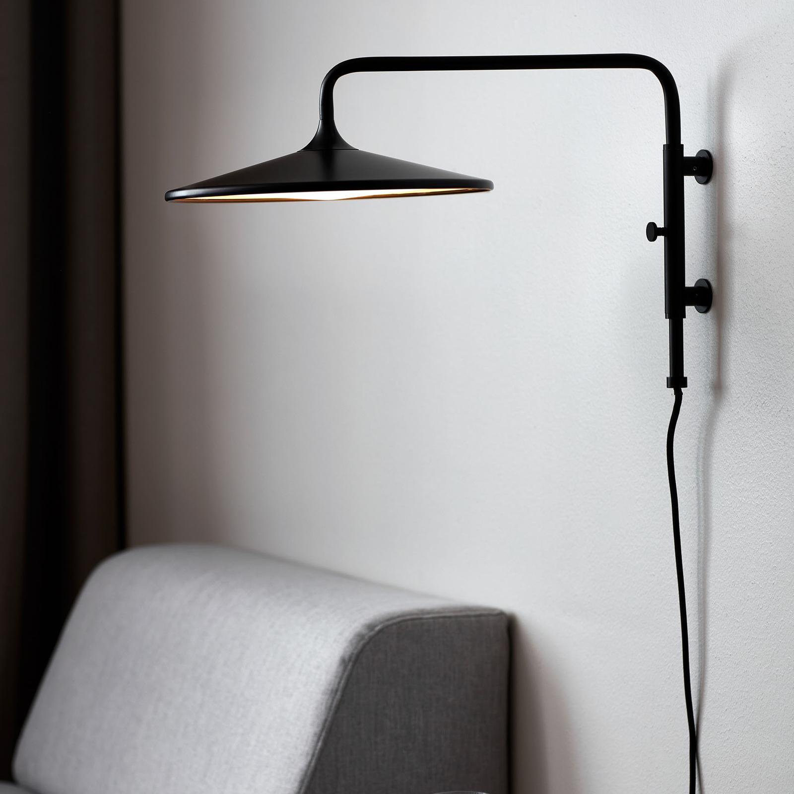 LED-seinävalaisin Balance himmentimellä