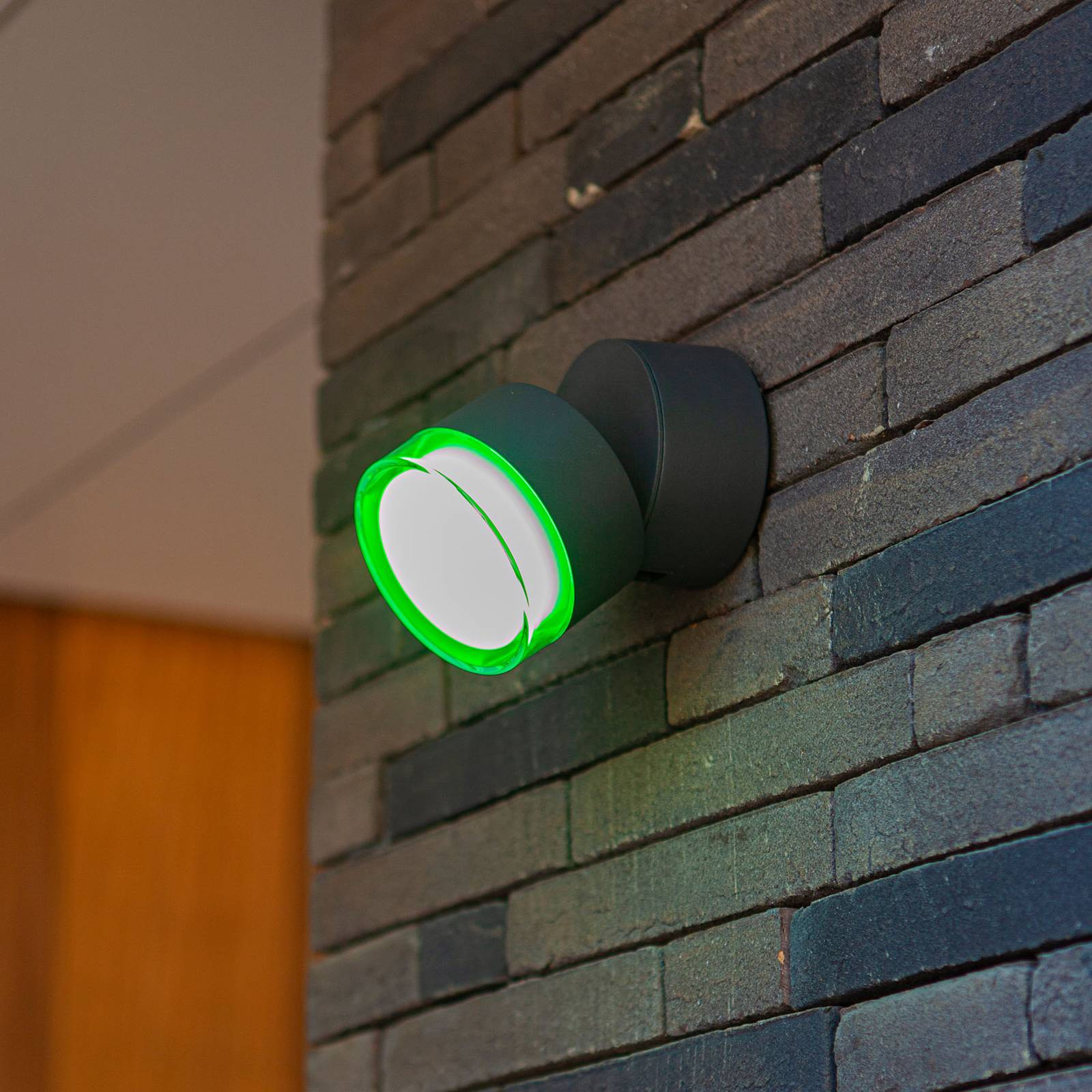 LED-ulkoseinälamppu Dropsi, RGBW, älykäs ohjaus