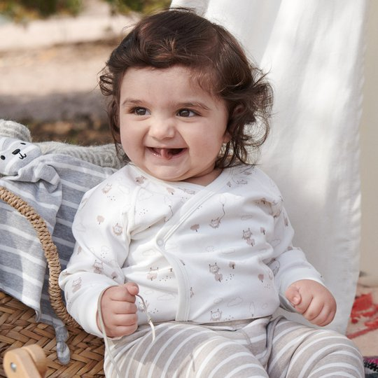 Omslagsbody med ugletrykk baby hvit
