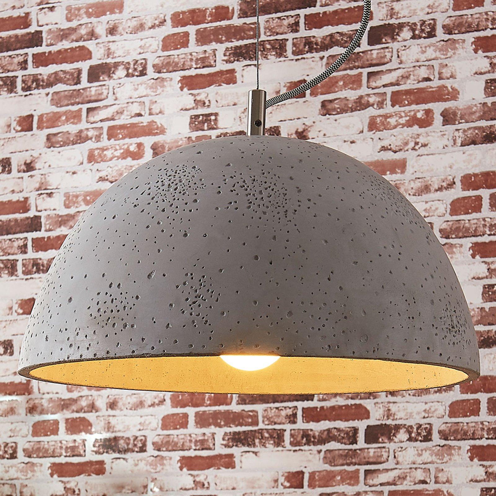 Jelin – pendellampe med betongskjerm