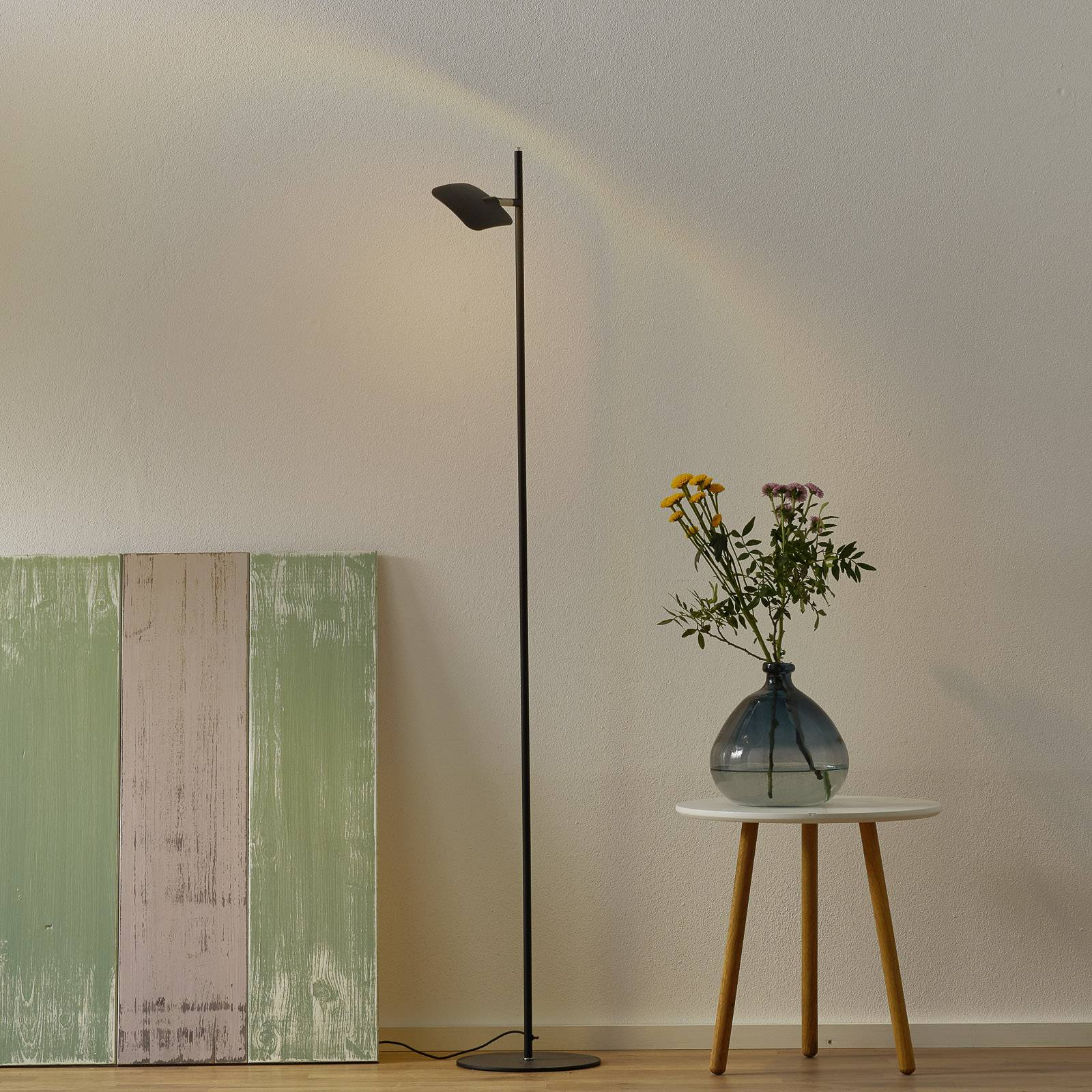 LED-lattiavalo Raggio, 1-lamppuinen, musta