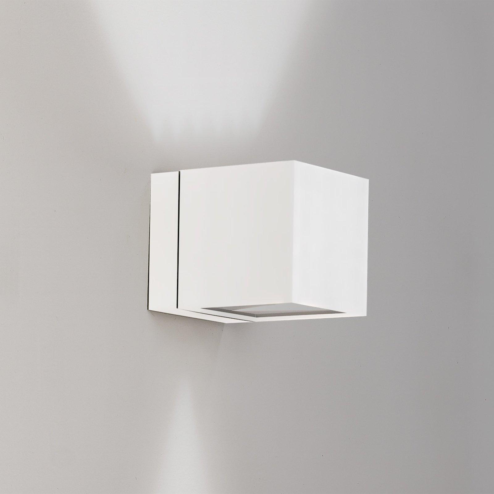 Vegglampe Dau med terningform up-og downlight hvit