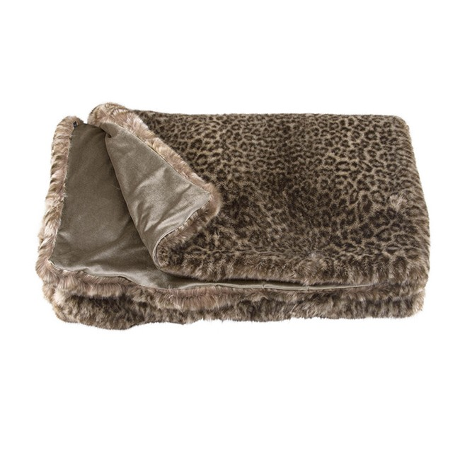 Zinc Romo I Snow Leopard Throw