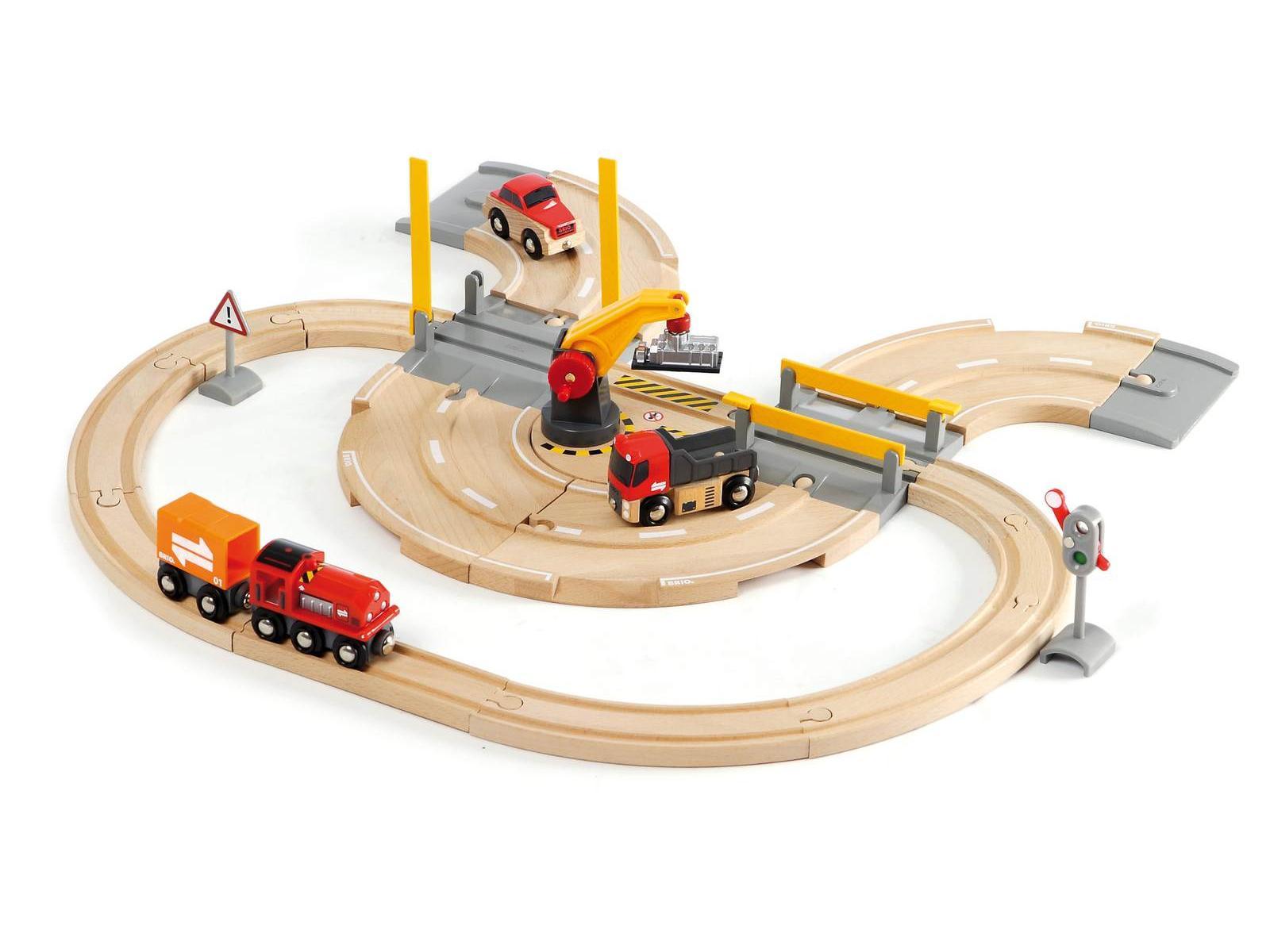 BRIO - Rail & Road Crane Set (33208)