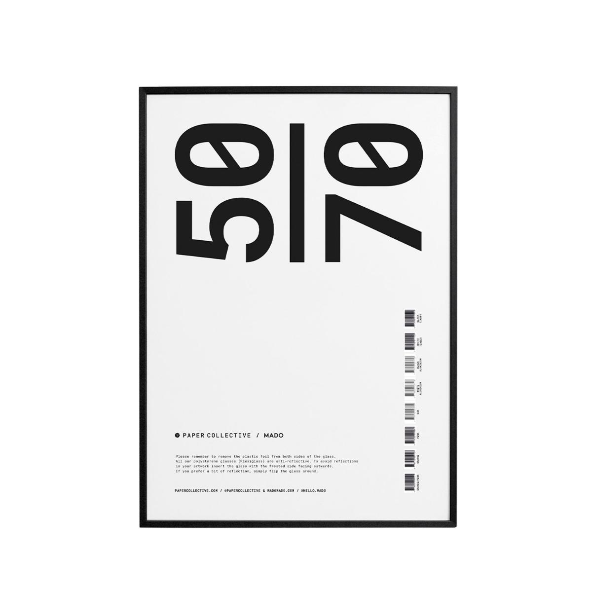 Paper Collective Ram Trä Plexi Svart 50x70