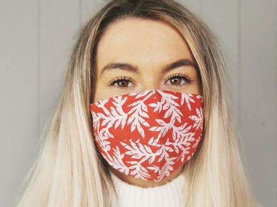 Red Leaf Face Mask Red