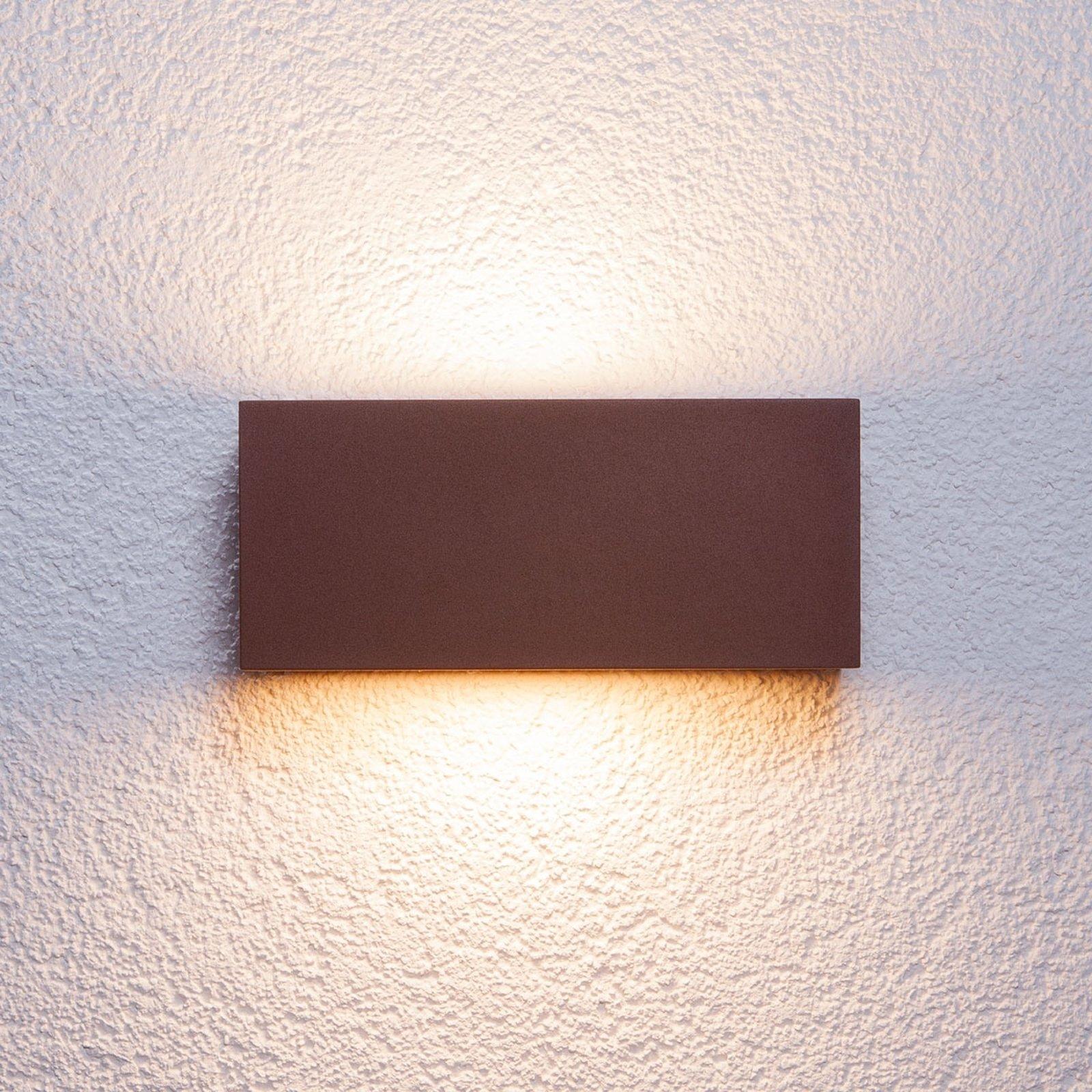 Kantet Bente utendørs veggglampe, rustfarget