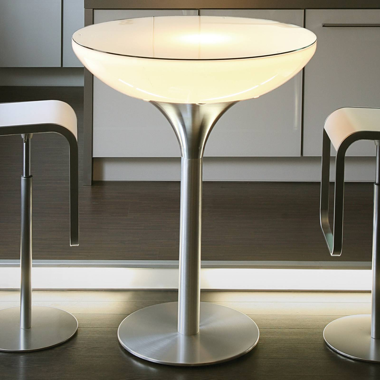 Monivärisesti valaiseva Lounge Table LED Pro 105cm