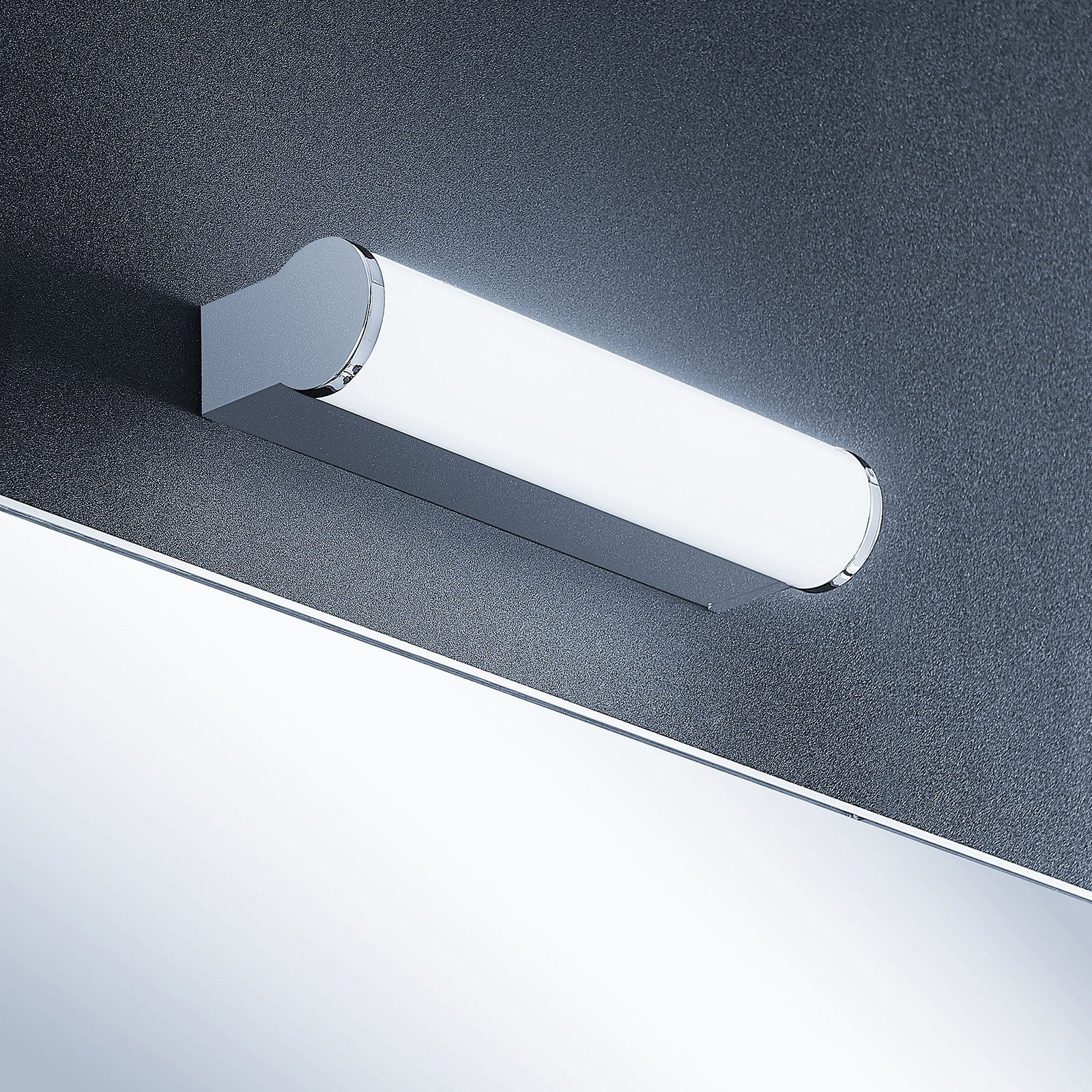 Lindby Baska LED-speillampe, 30 cm