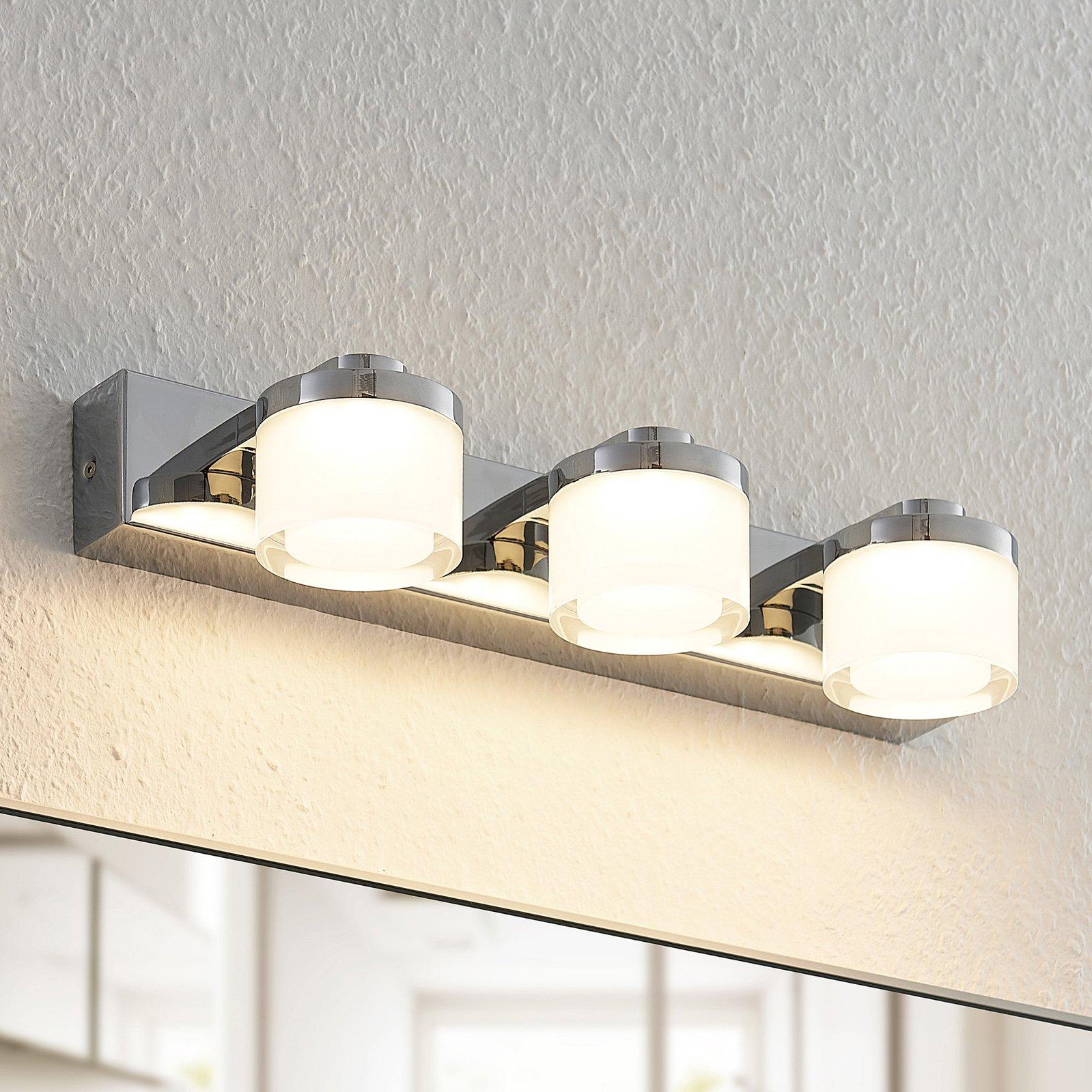 Arcchio Kejan LED-vegglampe, IP44, 3 lyskilder
