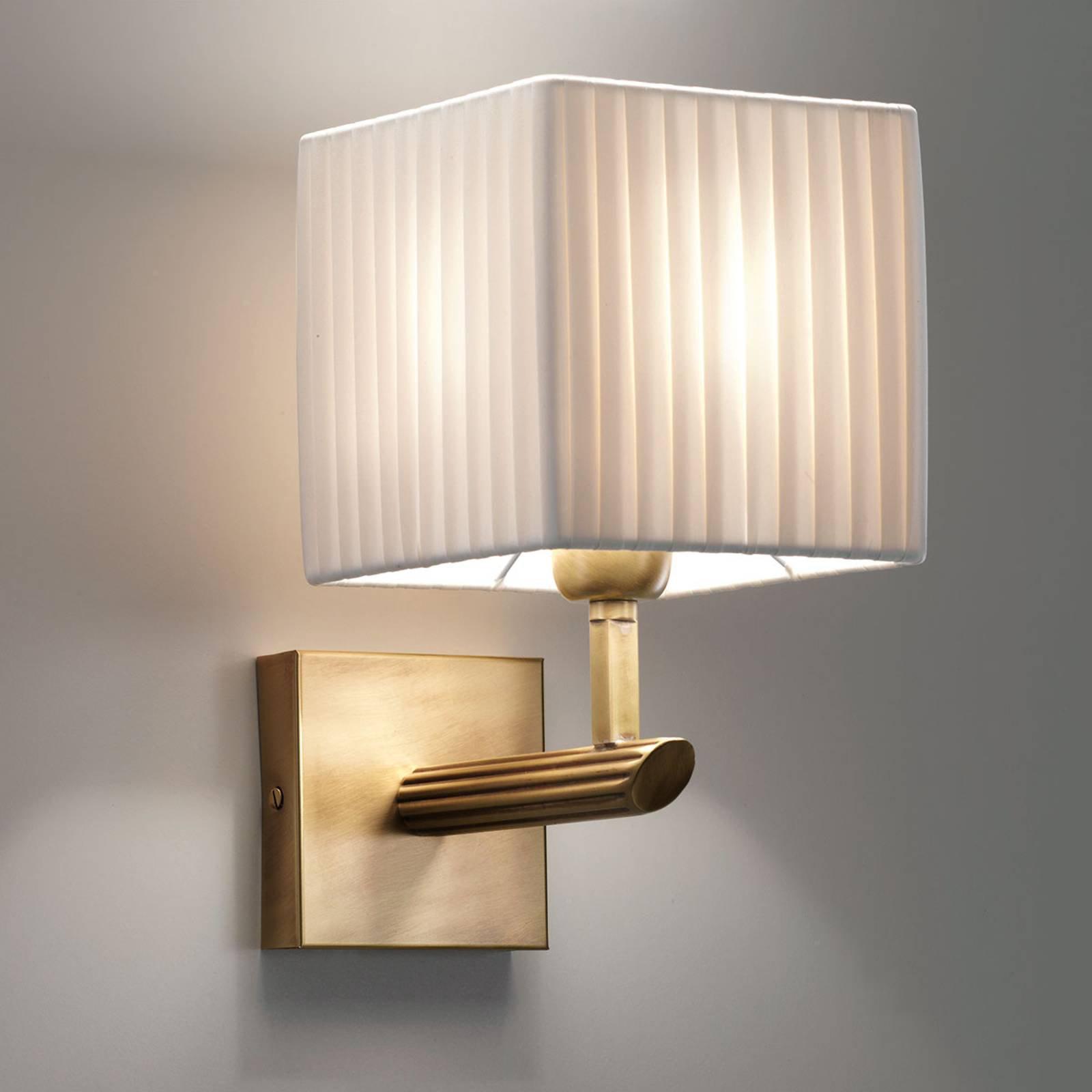 Varmt lys med vegglampen Imperial