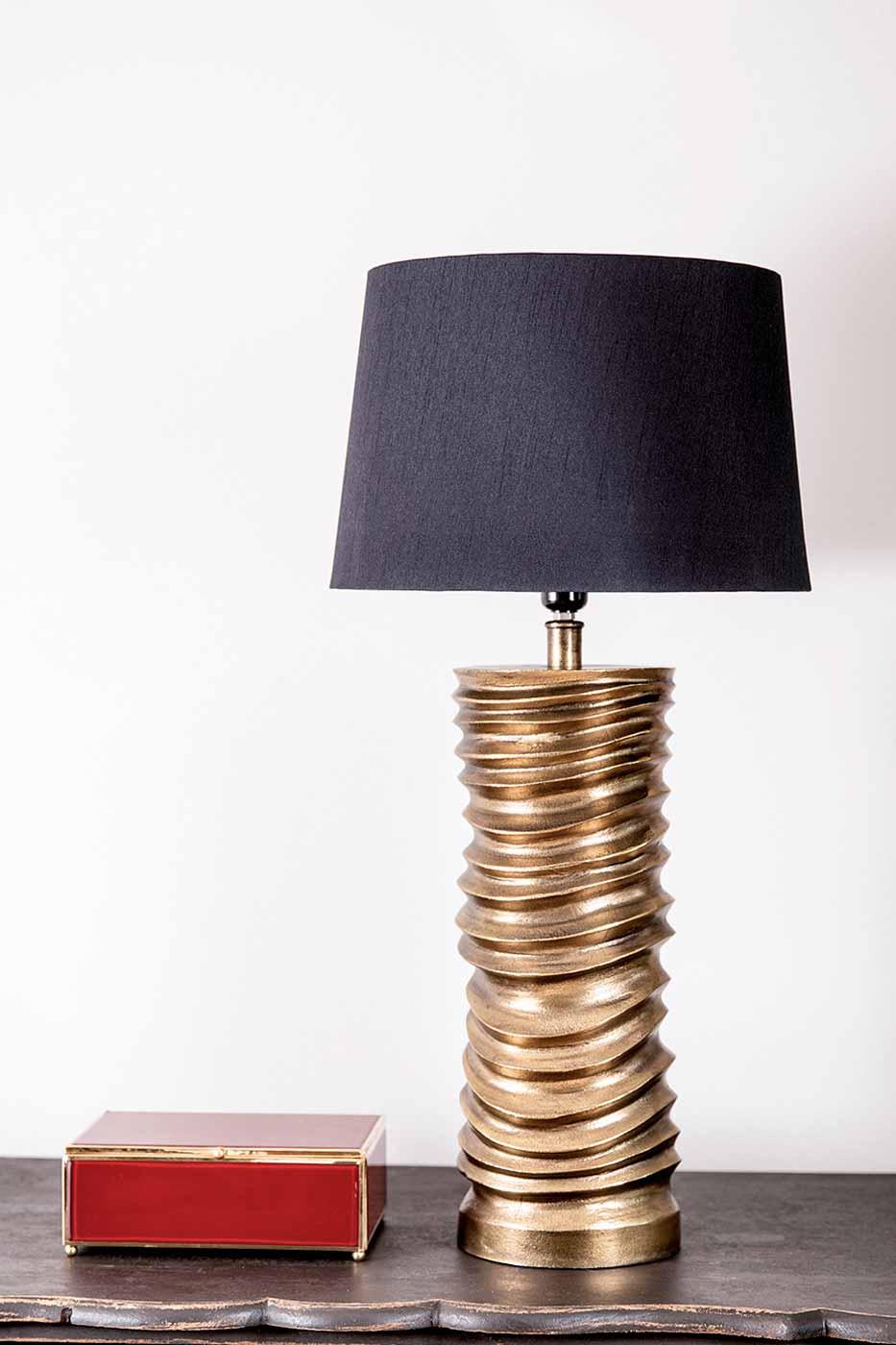 Lampfot Bissou 46 cm antik finish guld