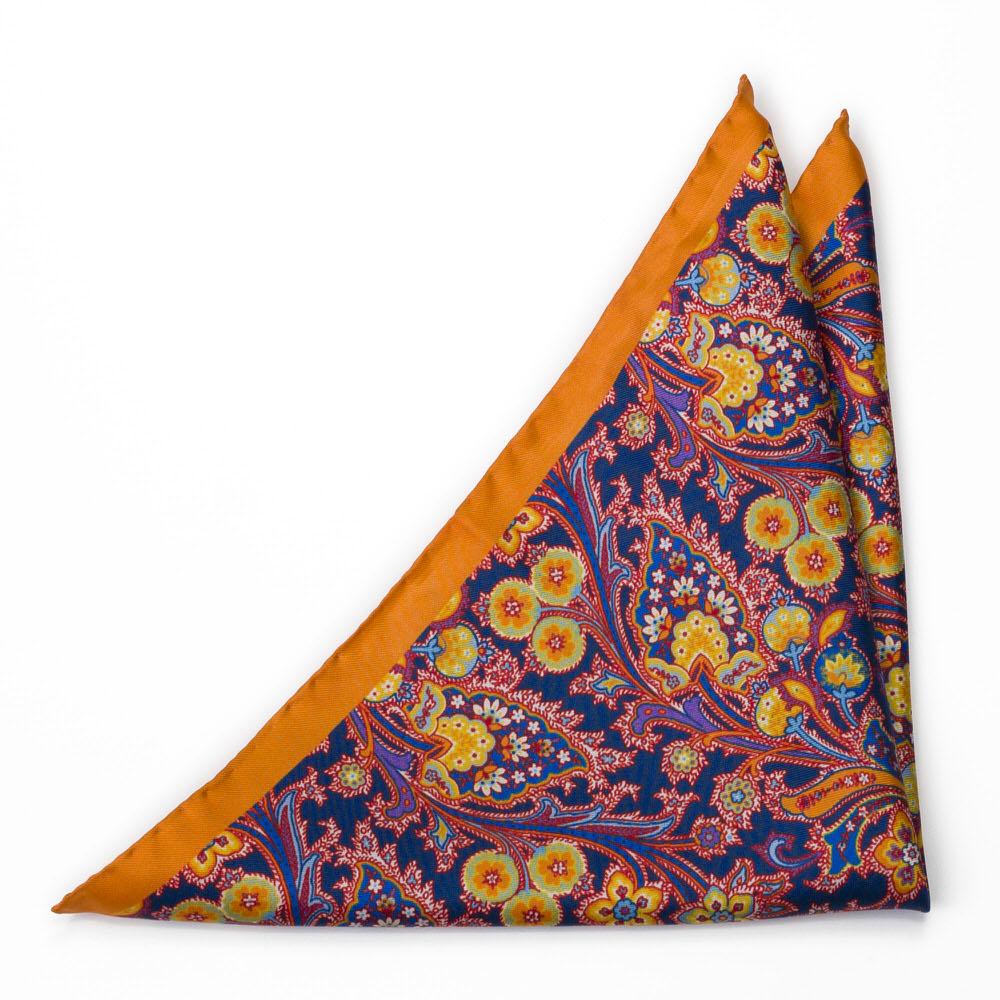Silke Lommetørkler, Surrealistiske, flerfargete blomster på oransje