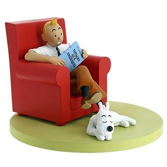 Tintin hjemme(sidder i rød lænestol) Statue