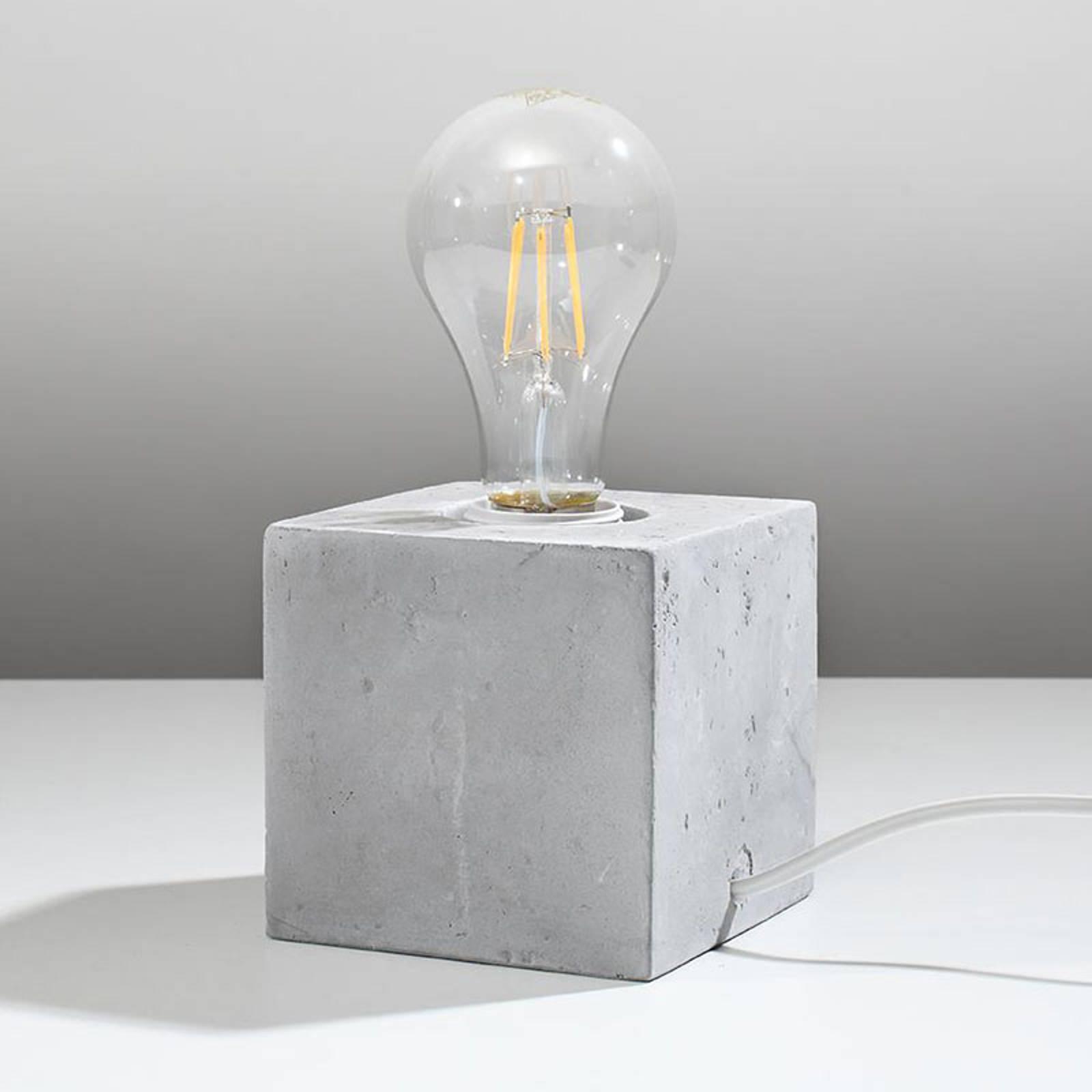 Pöytävalaisin Akira betonia, kuutionmuotoinen