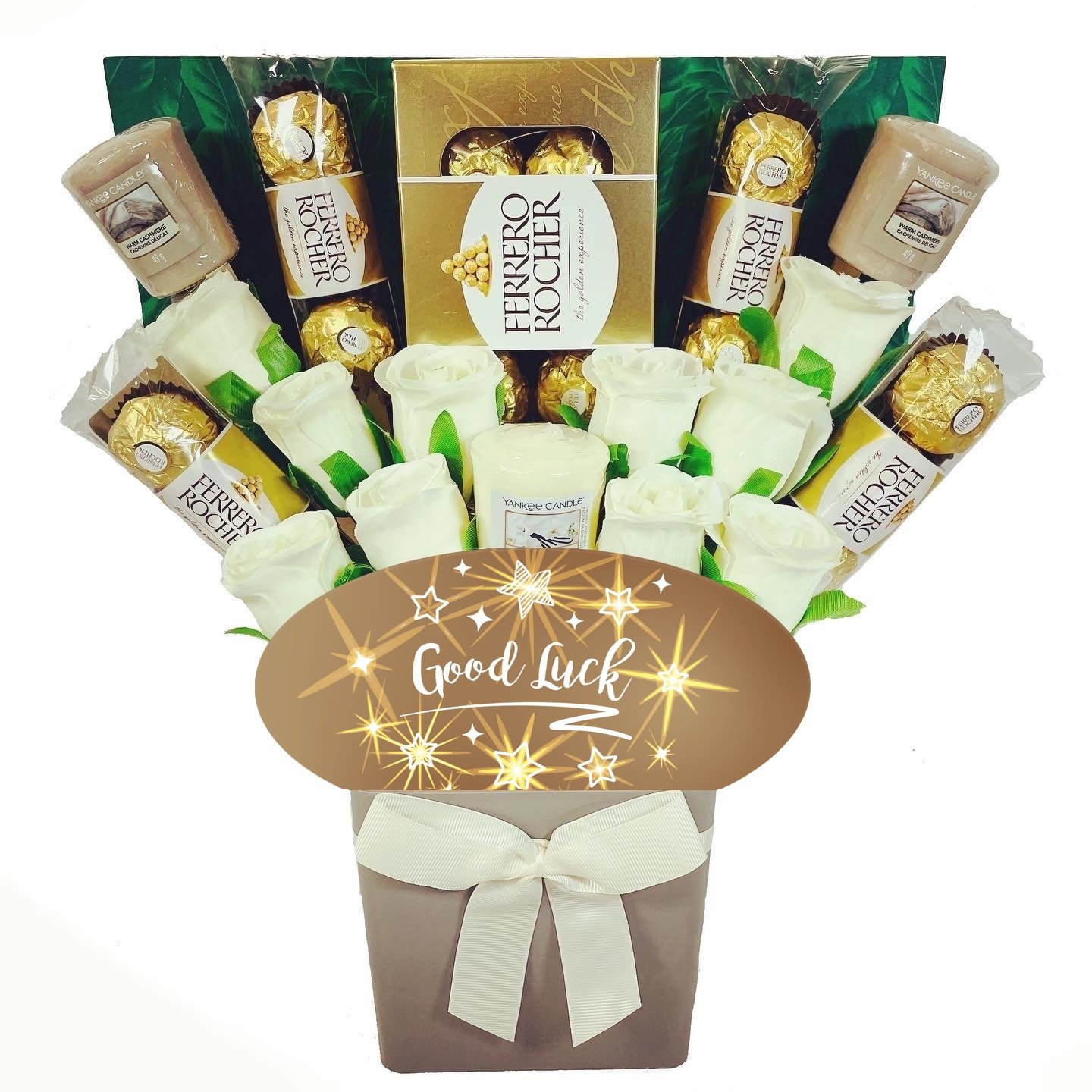 The Good Luck Yankee Candle and Ivory Rose Bouquet