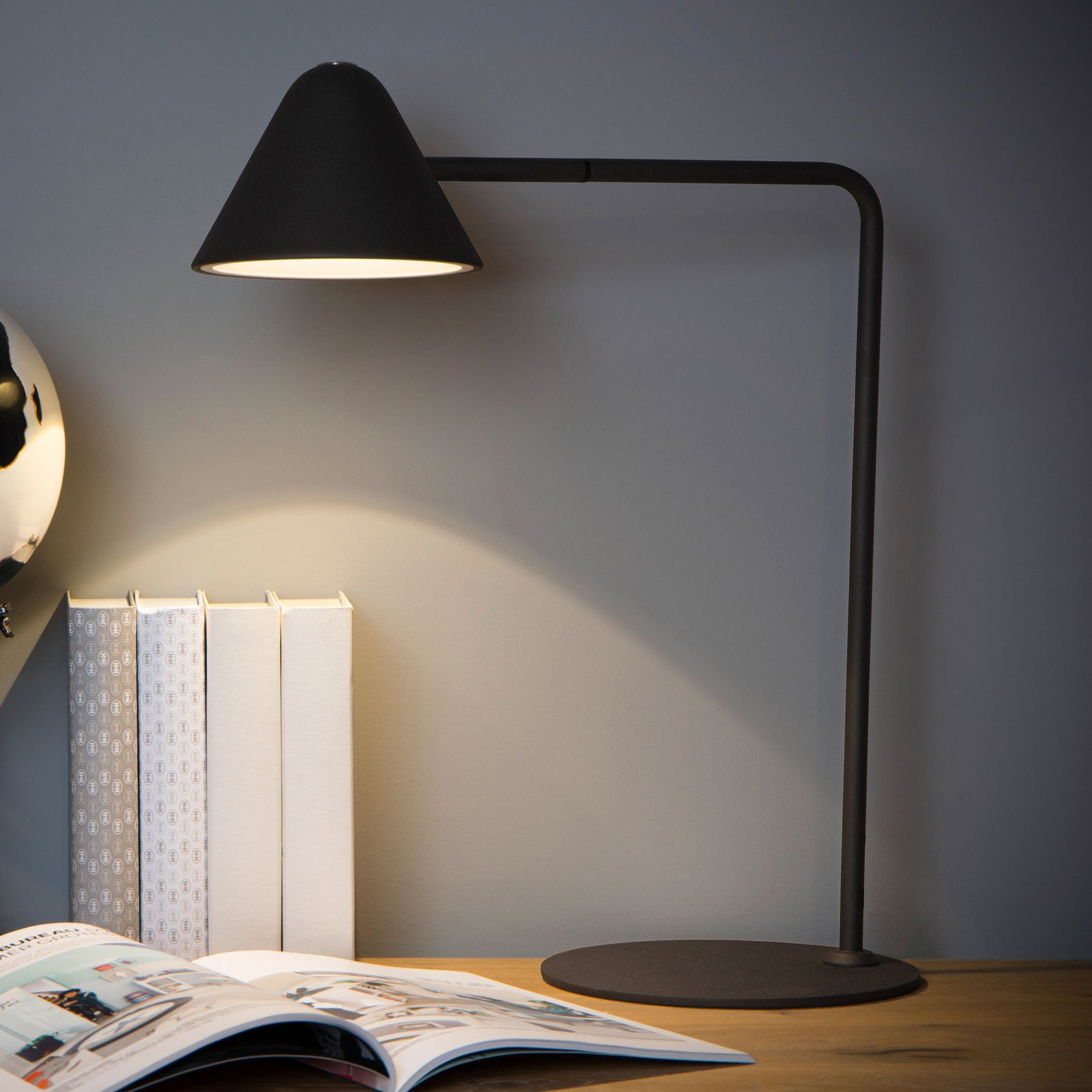 Devon LED-skrivebordslampe, svart
