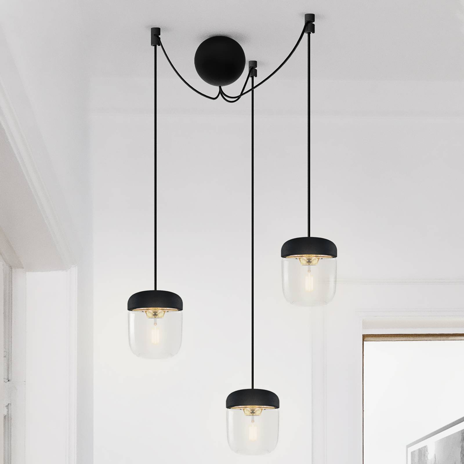 Riippuvalaisin Acorn 3-lamppuinen, musta, messinki