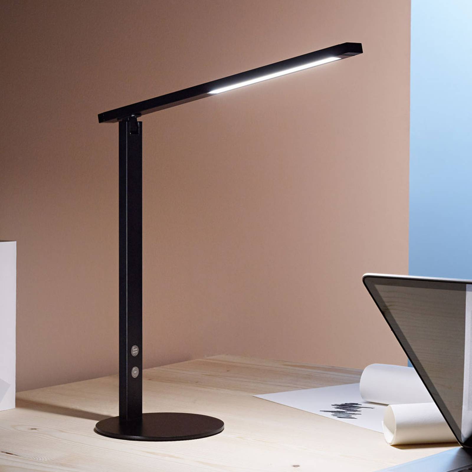 LED-työpöytälamppu Ideal himmentimellä, musta