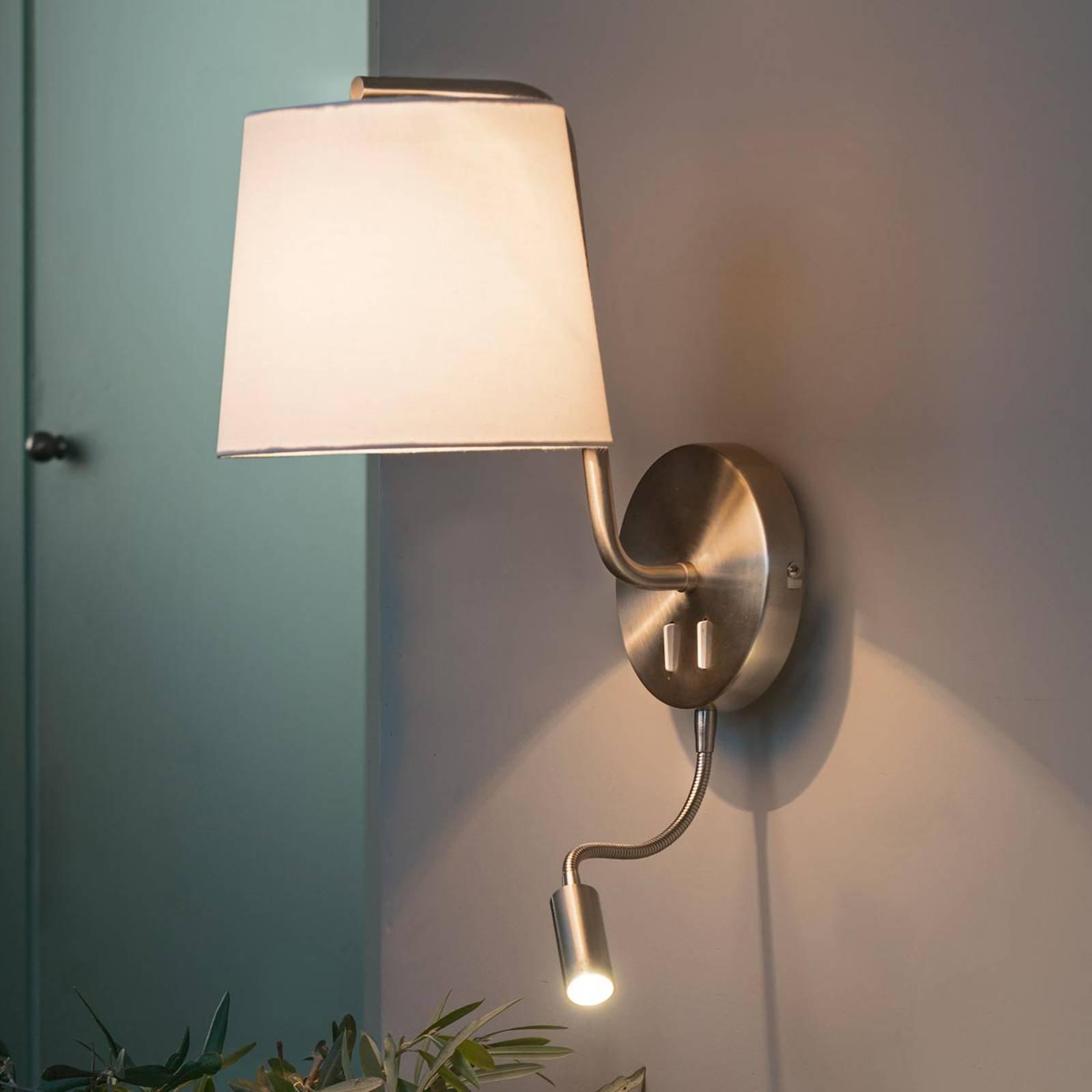 Vegglampe Berni i tekstil med LED-leselampe