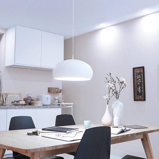 Philips E27 LED-loisteputki 9,5W lämmin valkoinen