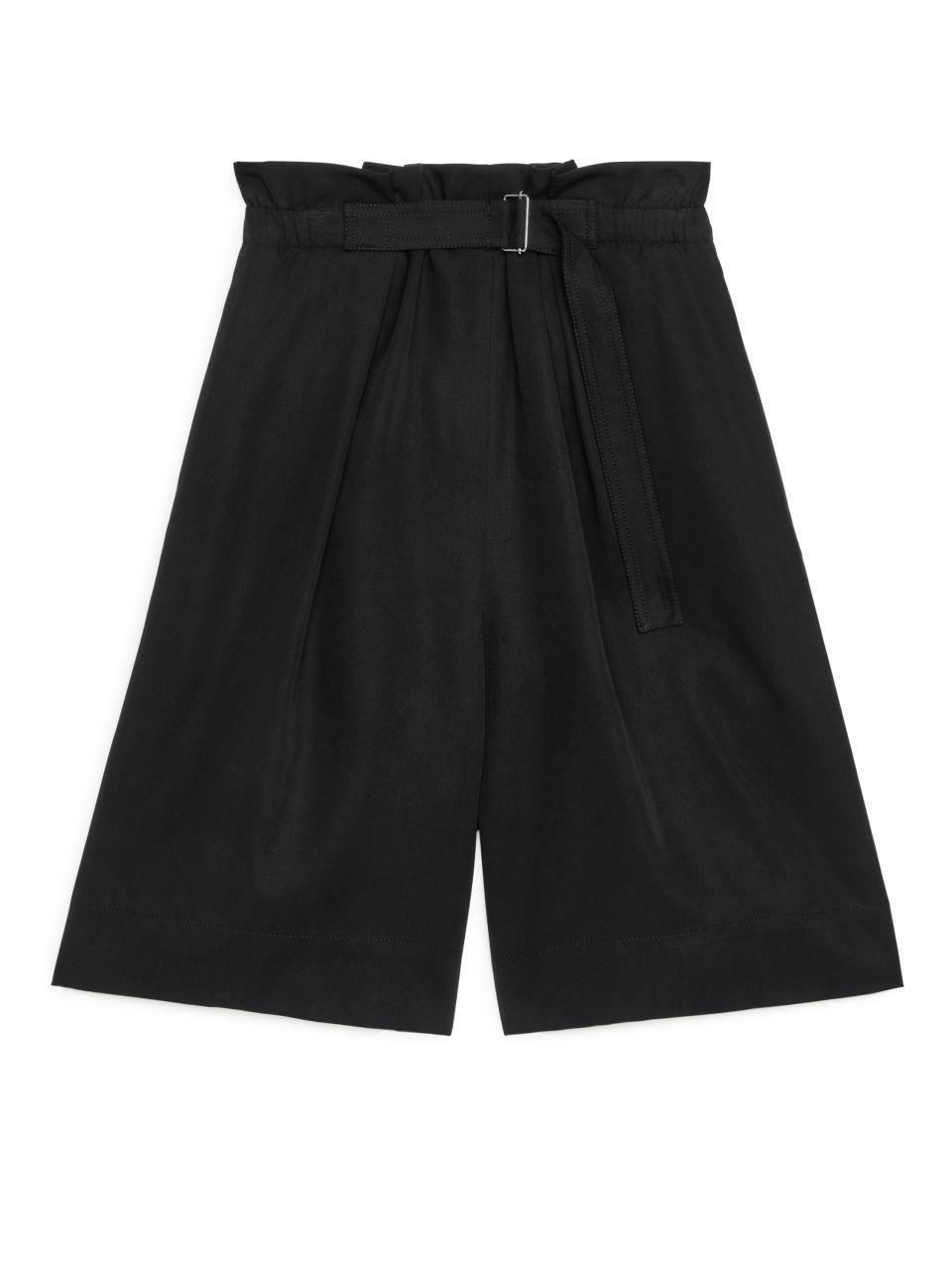 Belted Lyocell Shorts - Black