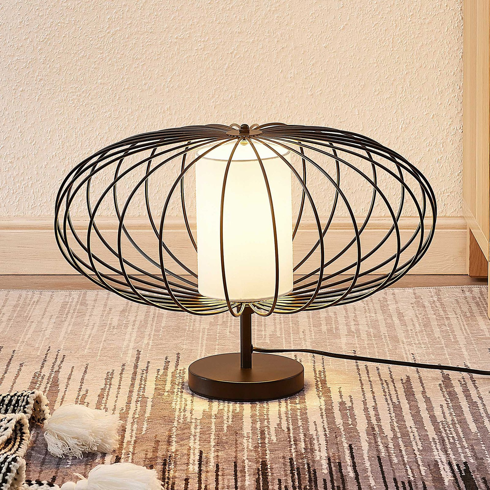Lindby Korbinian bordlampe med bur-skjerm