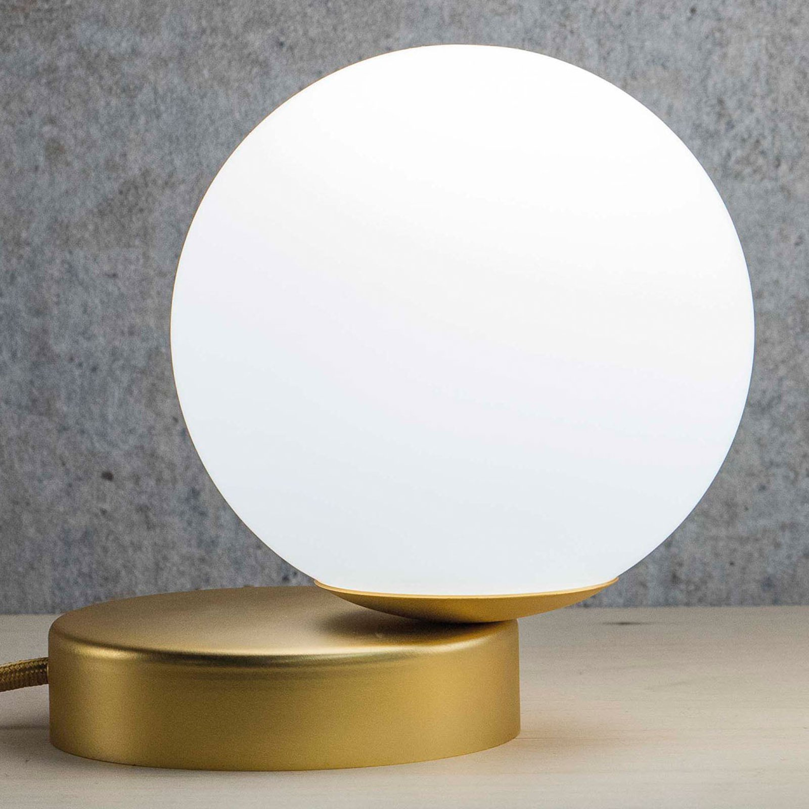Lumi bordlampe rund satinert gull