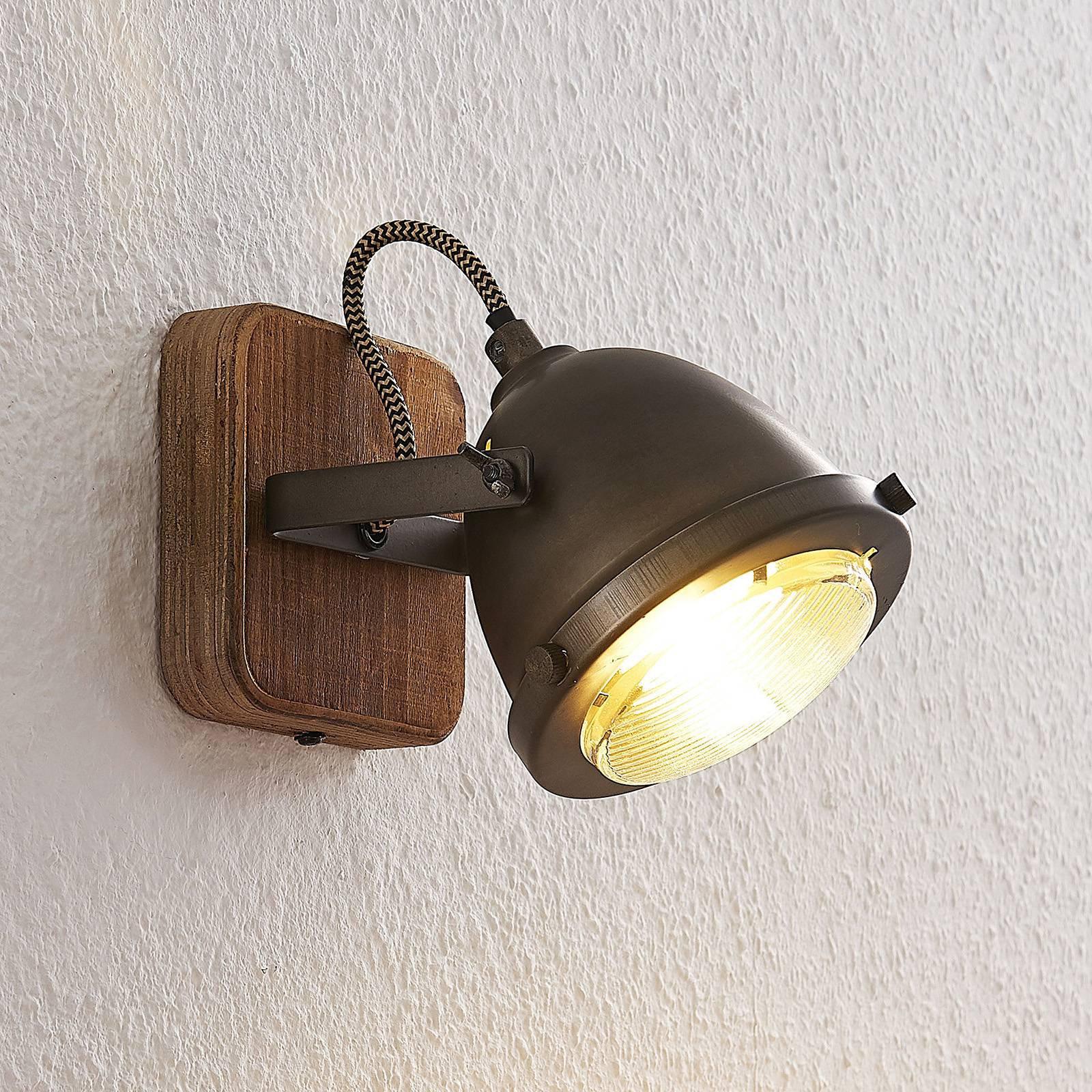 Lindby Shila taklampe, en lyskilde
