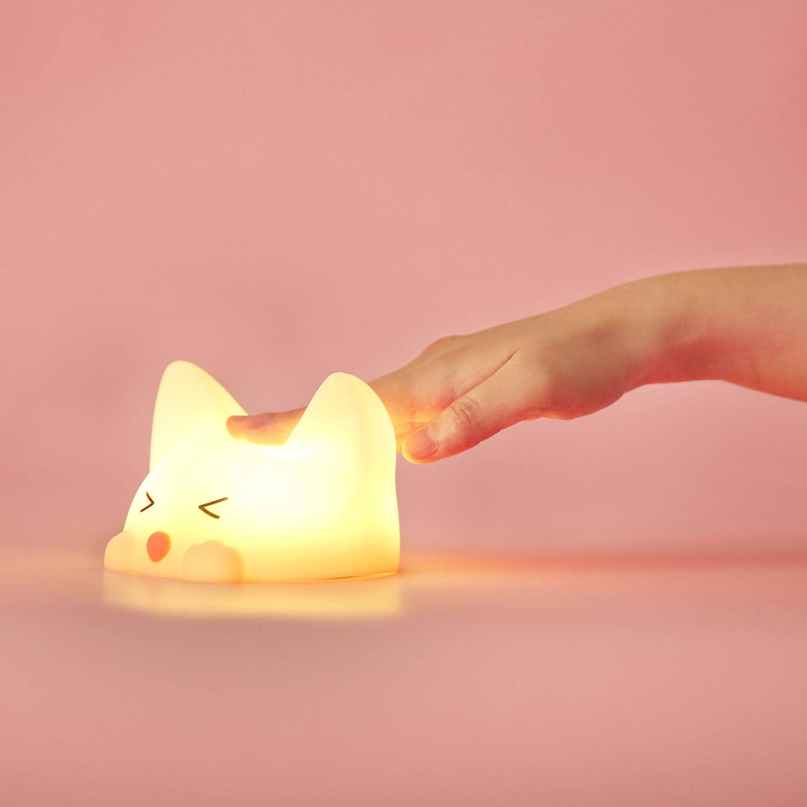 Akku-LED-yövalo Catty Cat, 7 väriä + äänet