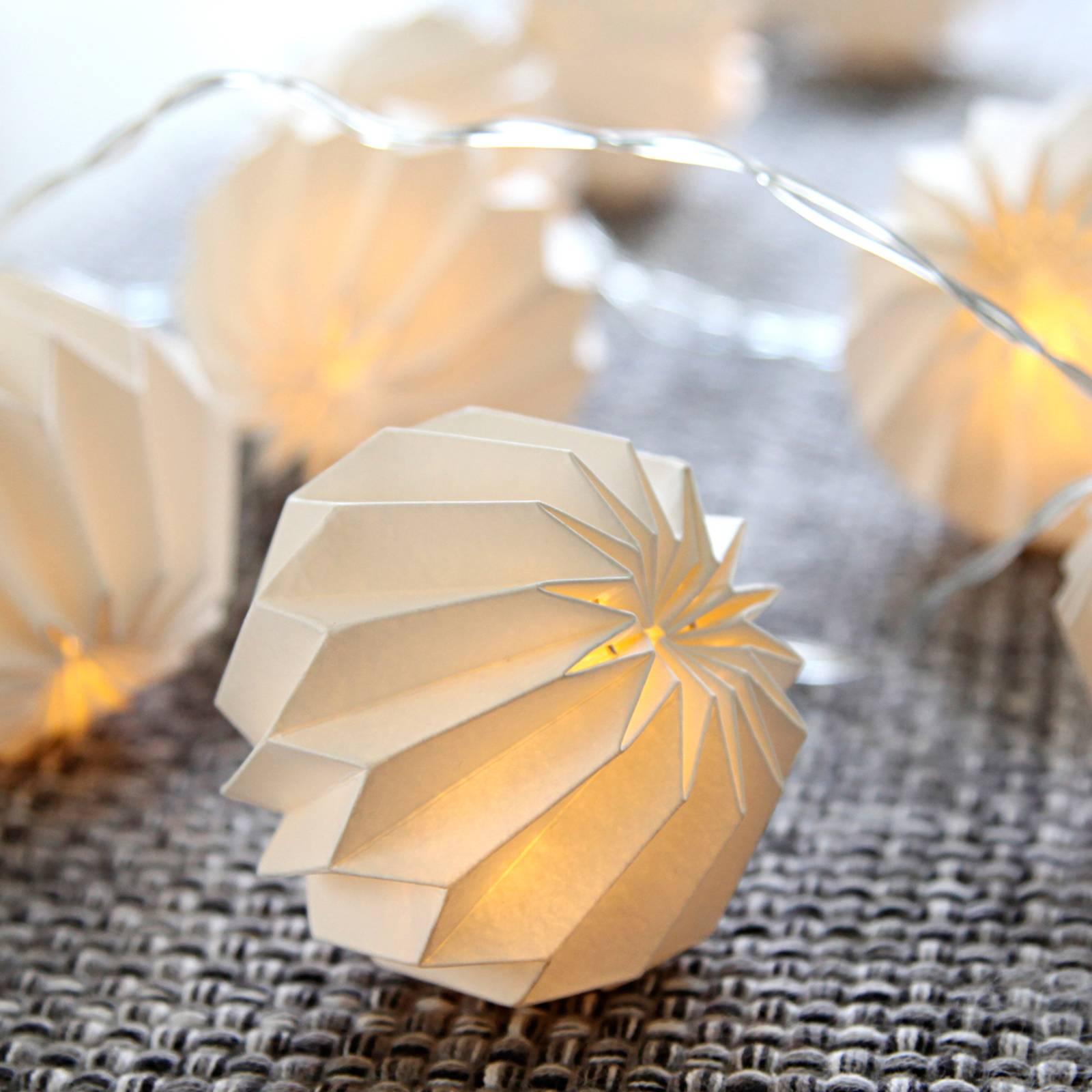 Herkkä Paper Flower -LED-valoketju, valkoinen