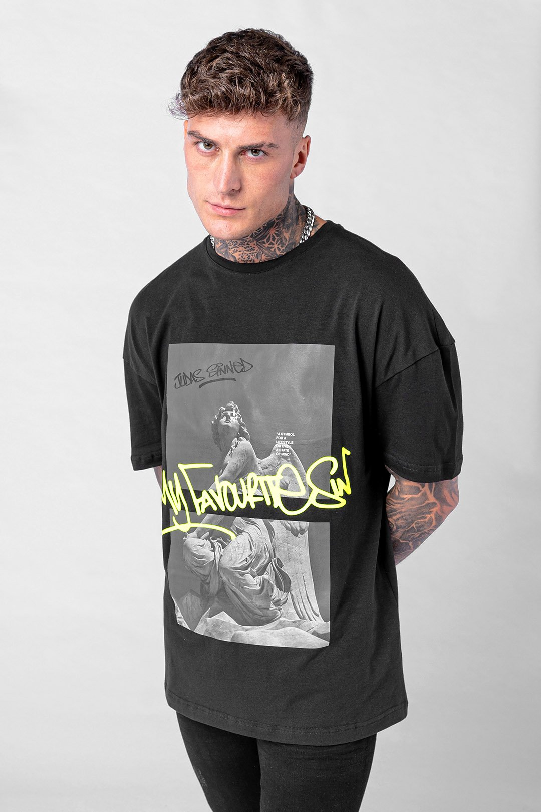 Fave Graffiti Printed Men's T-Shirt - Black, Small