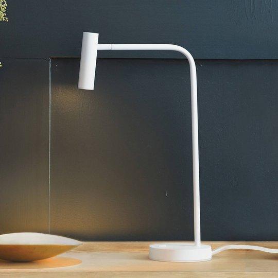 Astro Enna LED-bordlampe, matt hvit