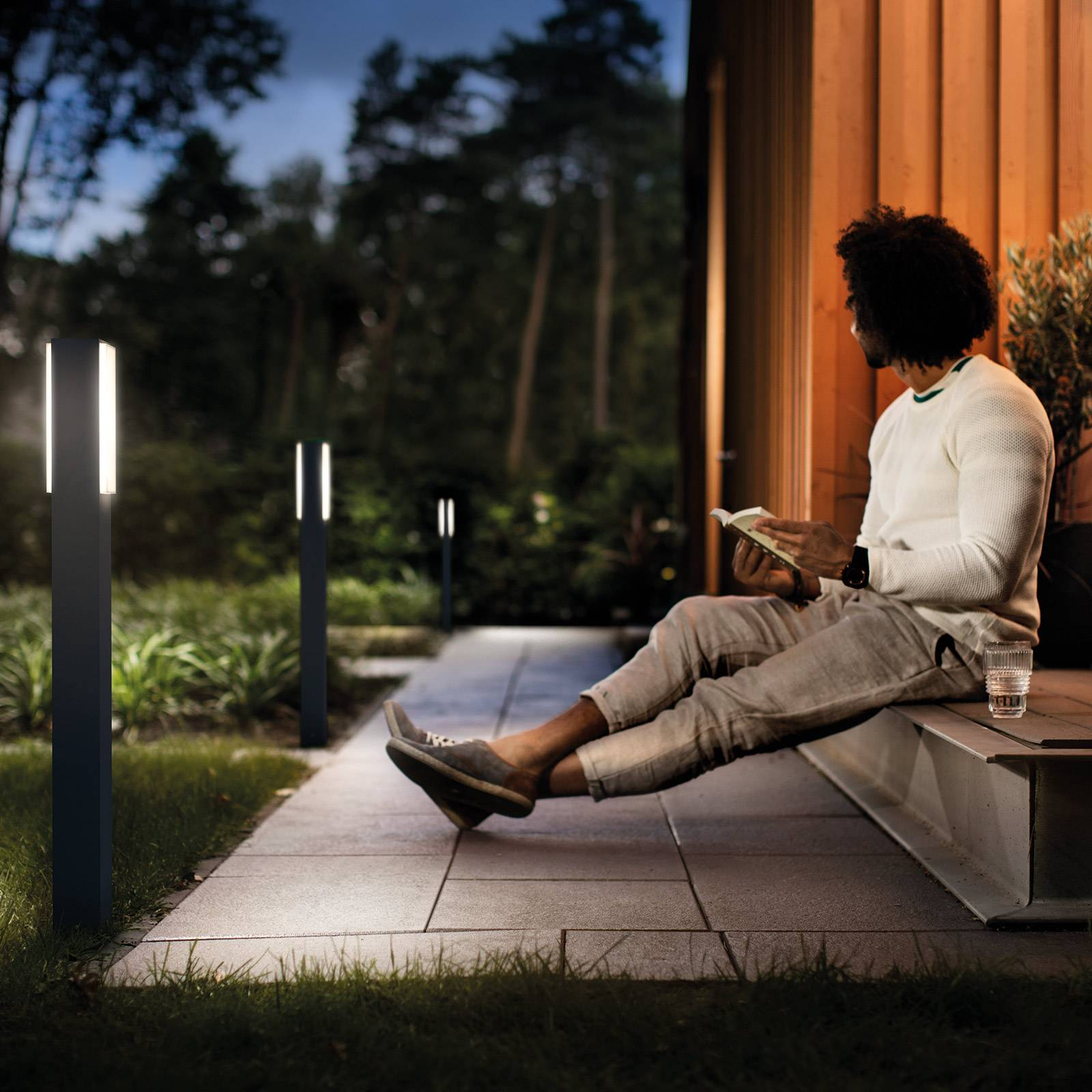 Philips Hue Outdoor NV -T-liitin