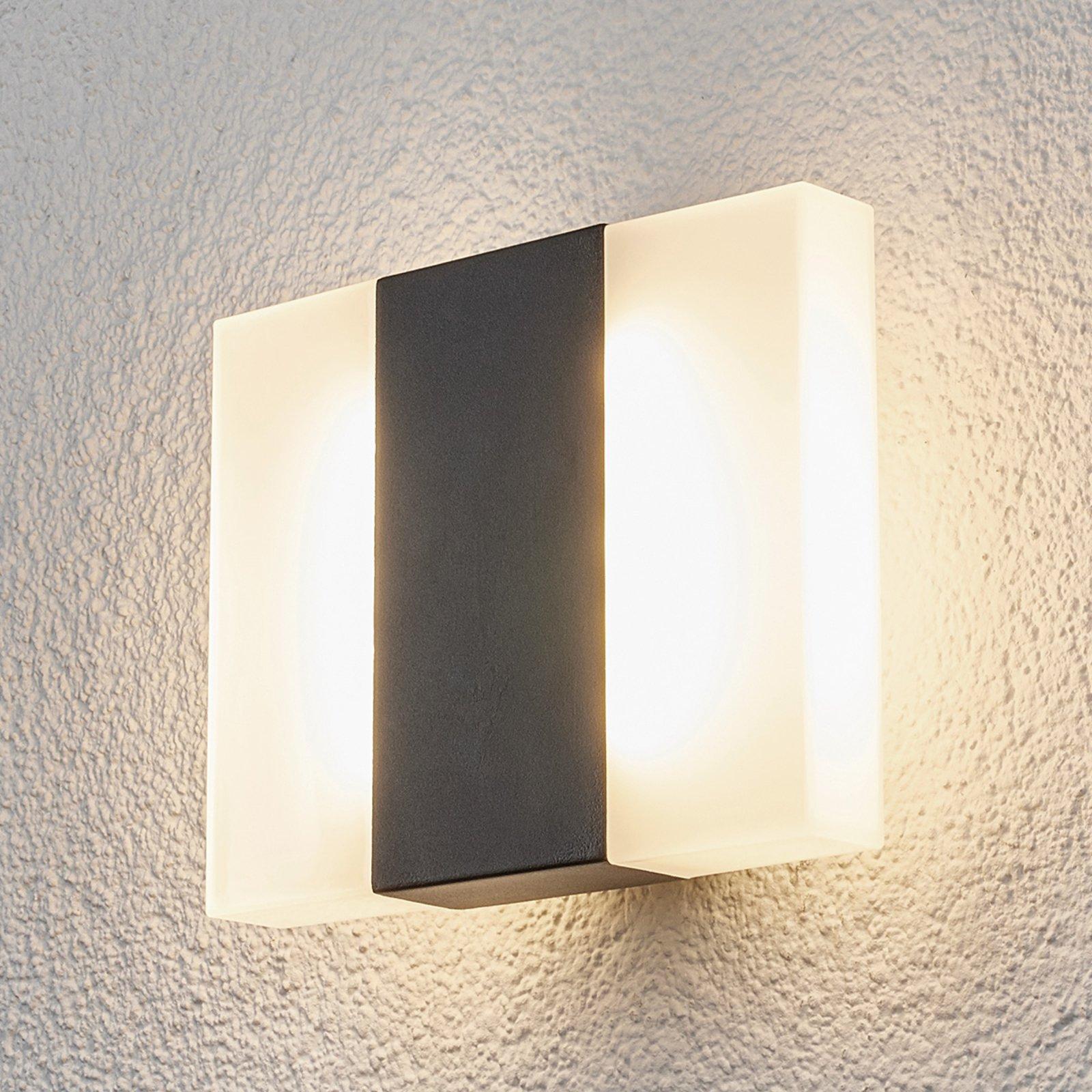 Börje - LED-vegglampe med kantet form