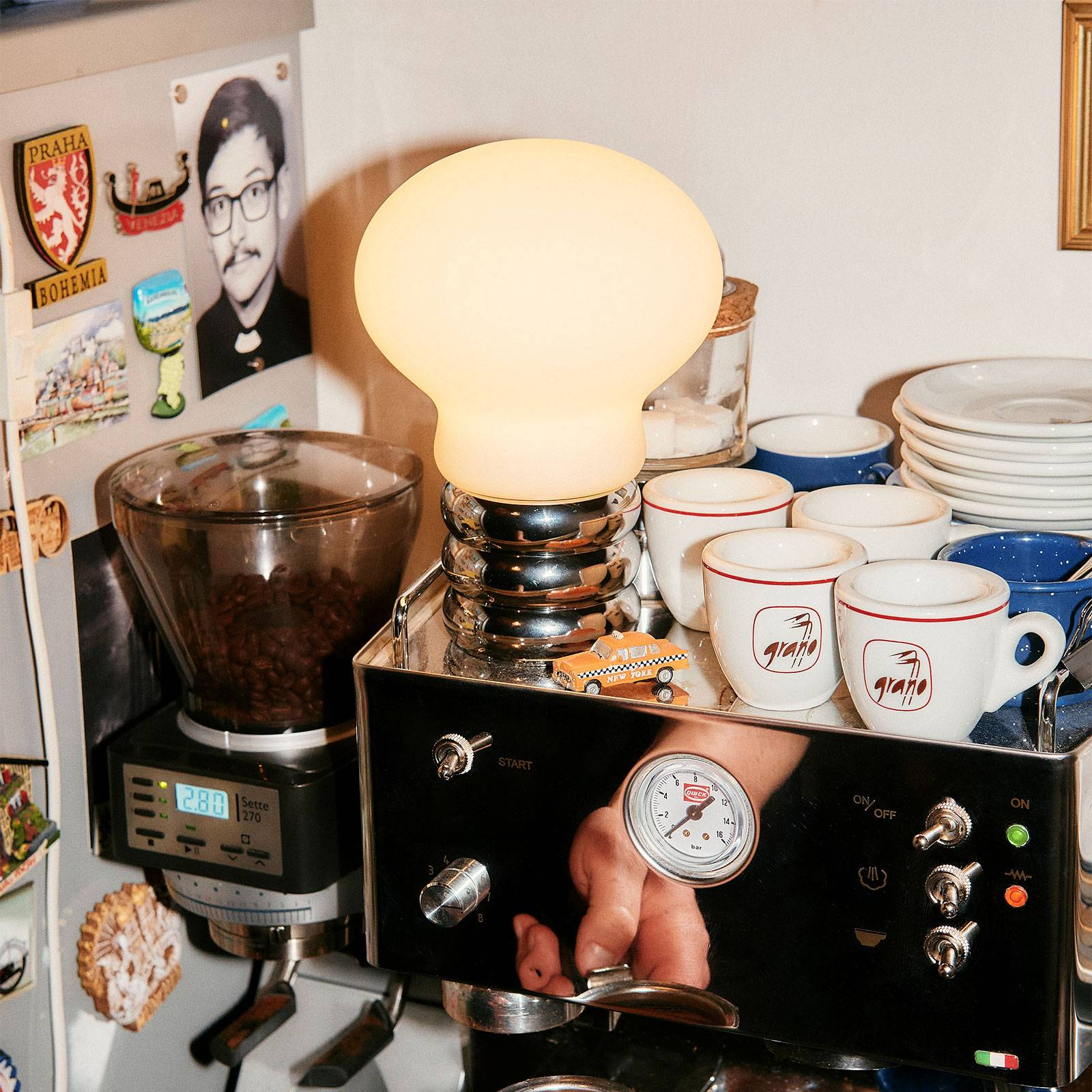Ingo Maurer B.Bulb -LED-pöytälamppu, akku