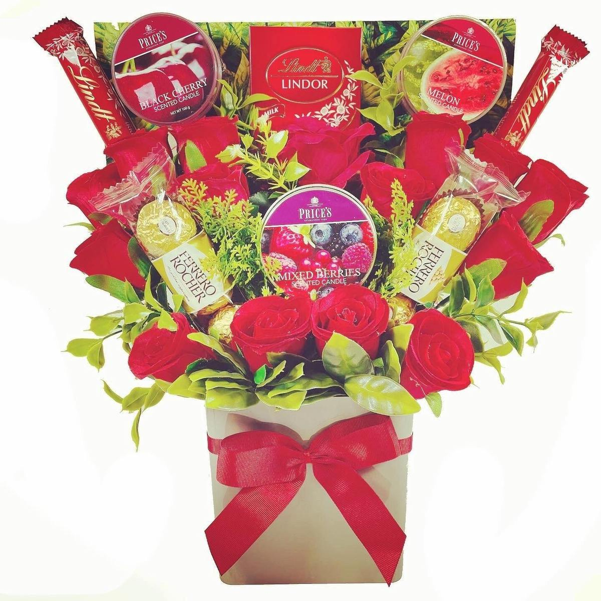 The Price's Candle and Red Rose Bouquet