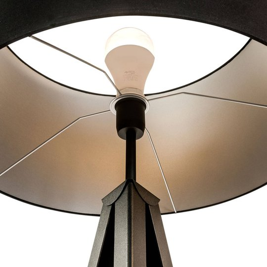 Gulvlampe Tago, tripod, skjerm svart/sølv