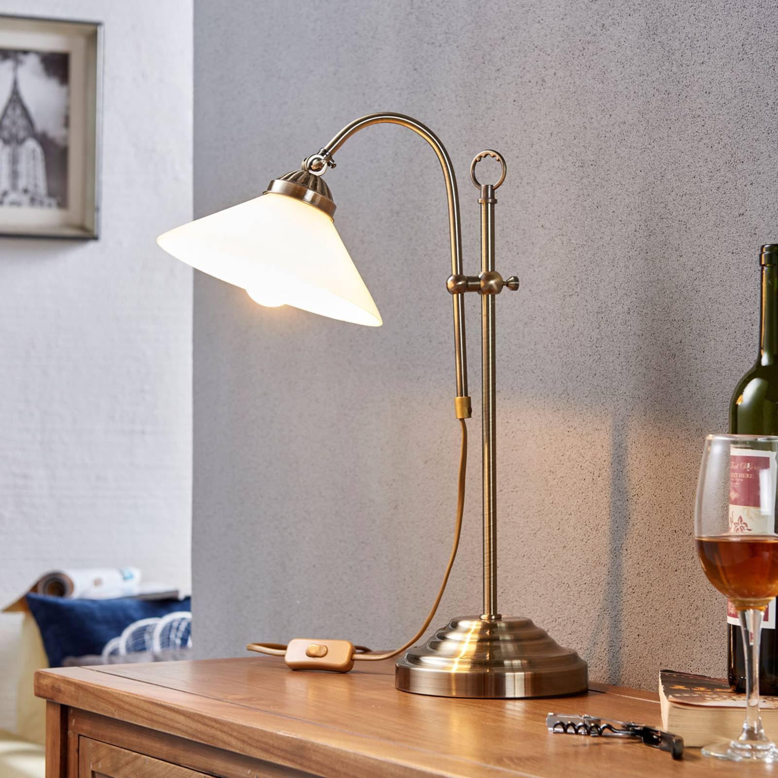 Klassisk bordlampe Otis i antikk messing
