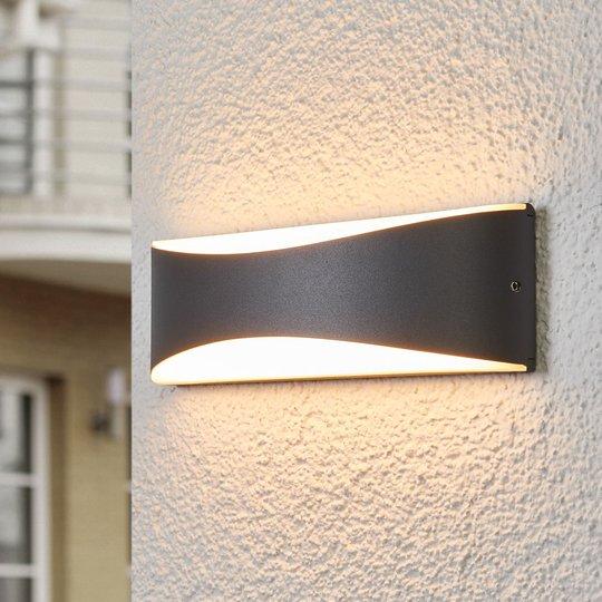 Antrasiitinvärinen Akira-ulkoseinävalaisin LED