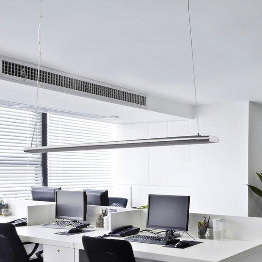 Pitkä Vinca-riippuvalaisin tehokkailla LEDeillä