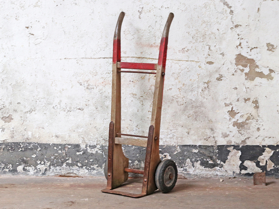 Eric the Red Vintage Sack Barrow