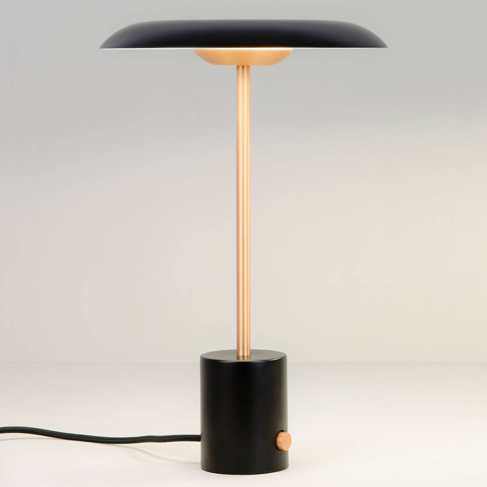 LED-bordlampe Hoshi med dimmer, svart og kobber