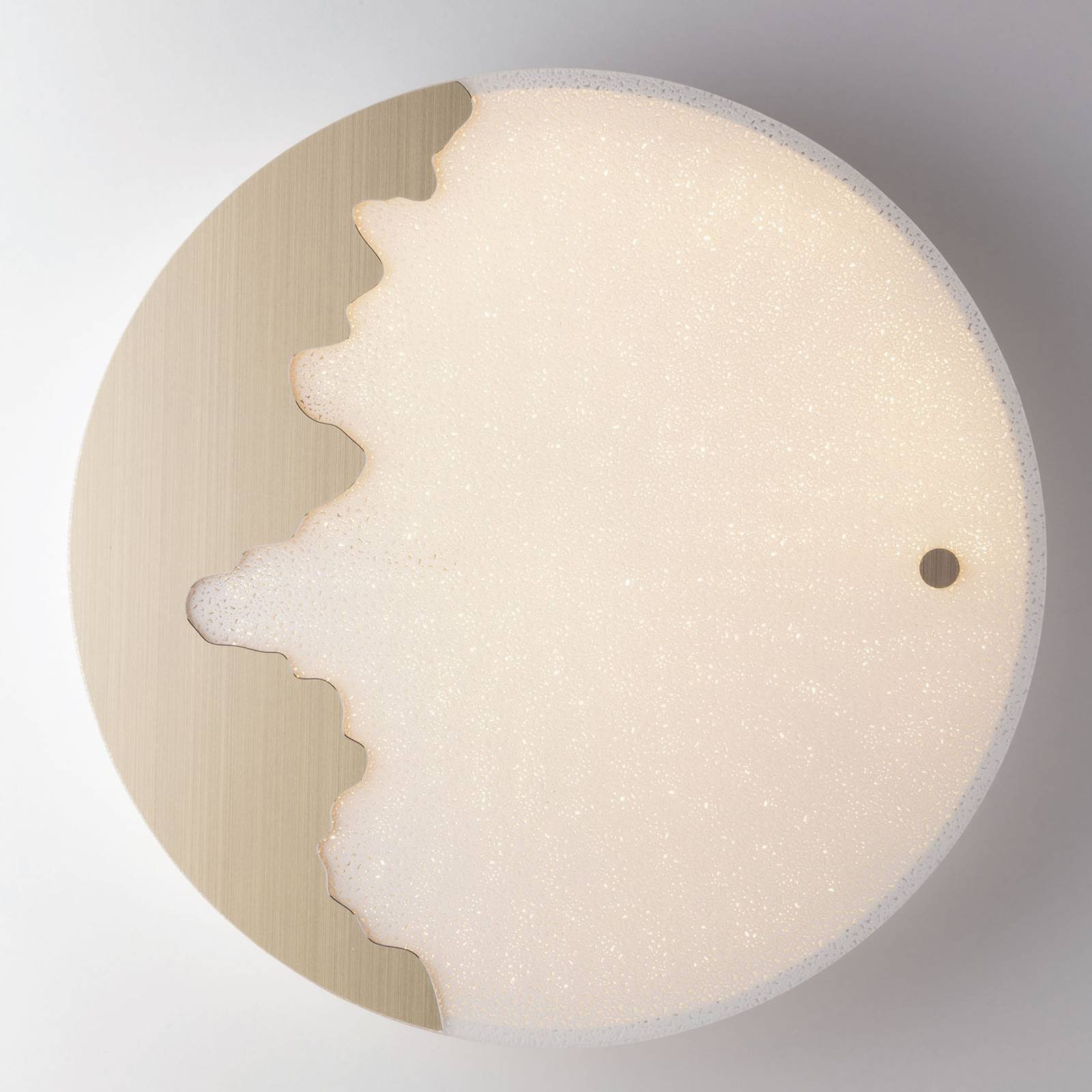 LED-vegglampe Chic Tuya, rund, gull/relieff Ø60cm