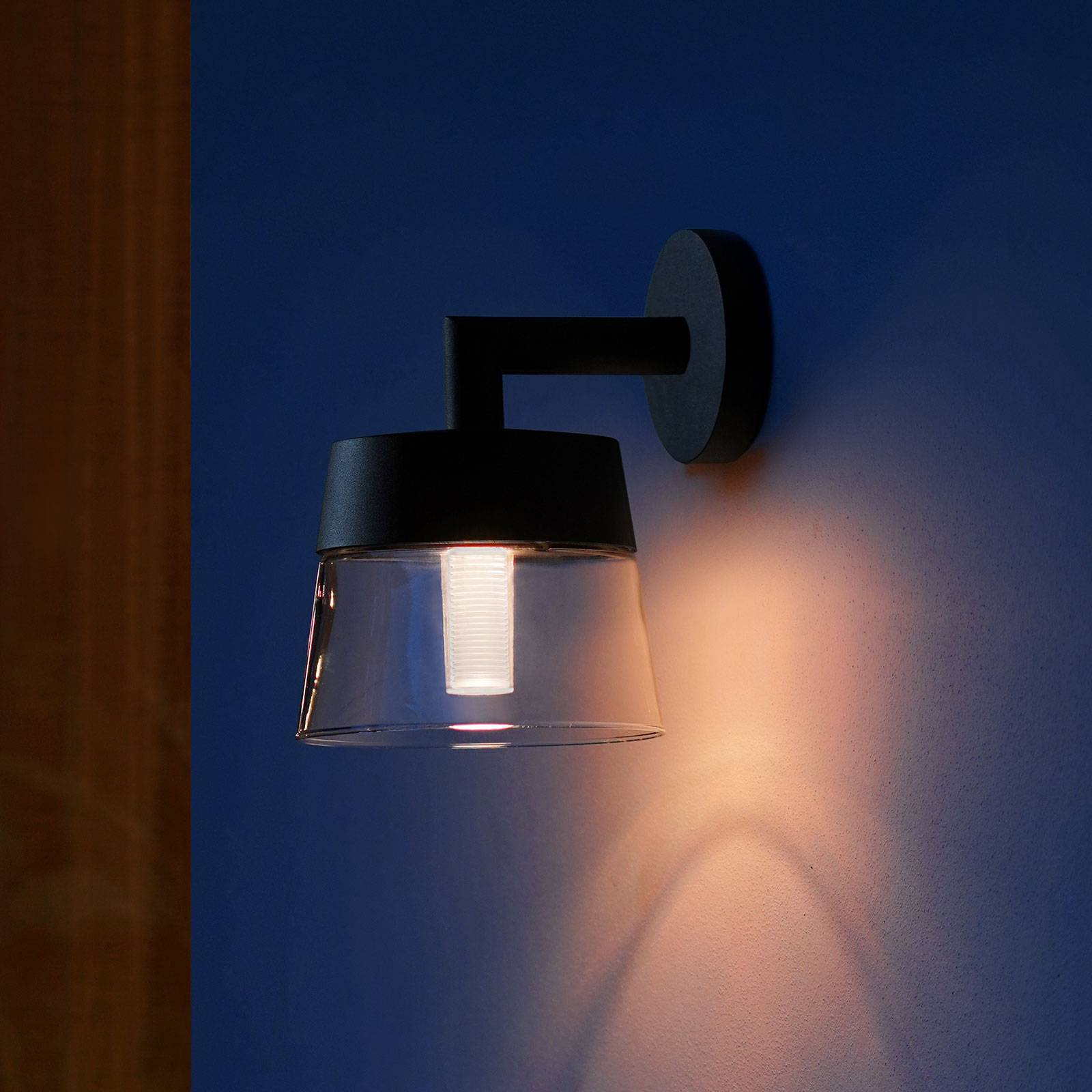 Philips Hue White + Color Attract LED-vegglampe